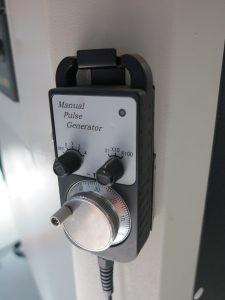 Ръчен пулт за управление на CNC патронен струг с наклонени направляващи TCK6340