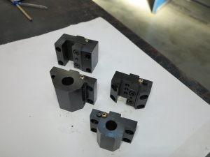 Държачи за револверна глава с охлаждане в зоната на инструмента на CNC патронен струг с наклонени направляващи