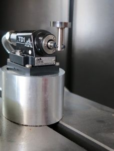 Система за мерене дължина и диаметър на инструмент METROL – Япония на оброботващ център VMC