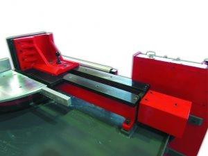 Хидравлично менгеме за детайли на лентоотрезна машина пълен автомат и хидравлично менгеме Karmetal 300 OSA